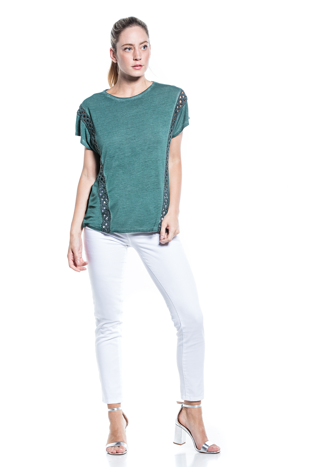 Dyed t-shirt with lace in front