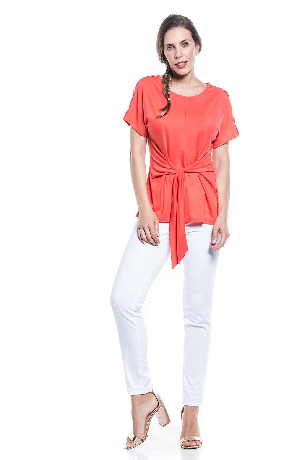T-shirt with lace on sholders and bellt
