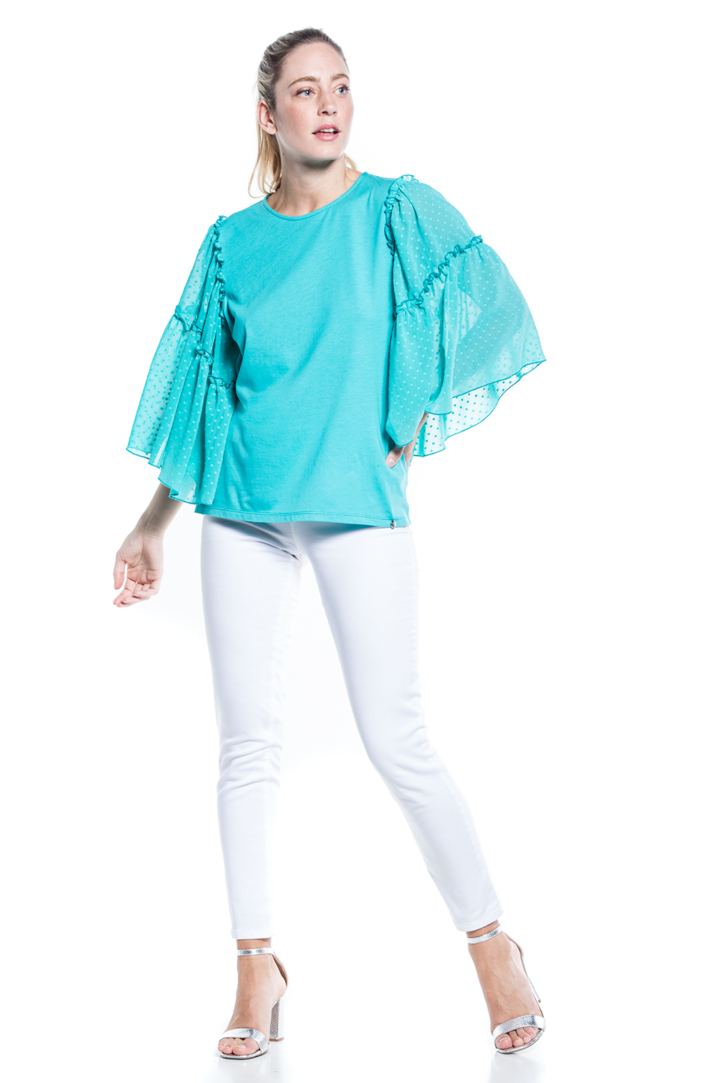 T-shirtwith fabric sleeves