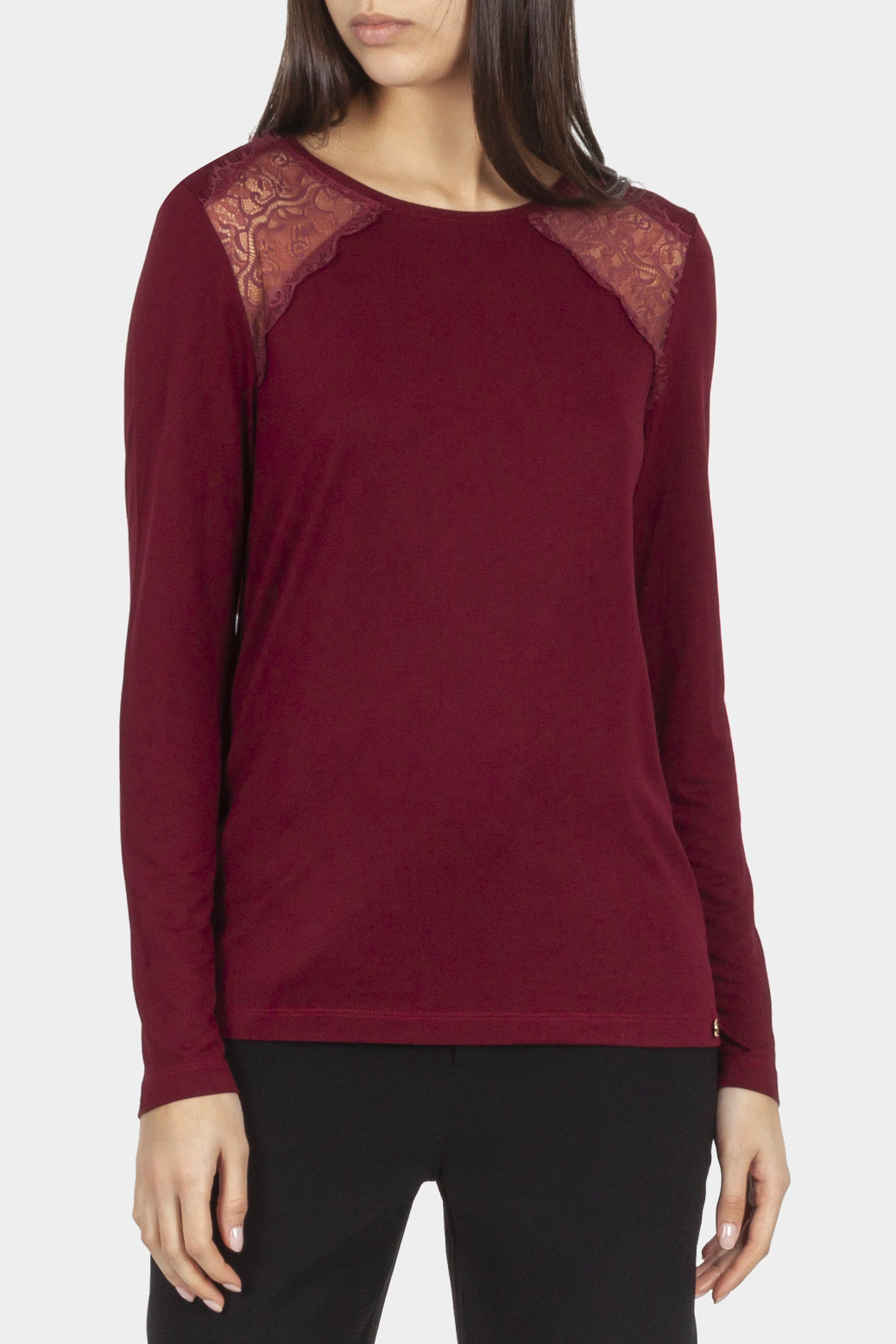 Long sleeved t shirt with lace