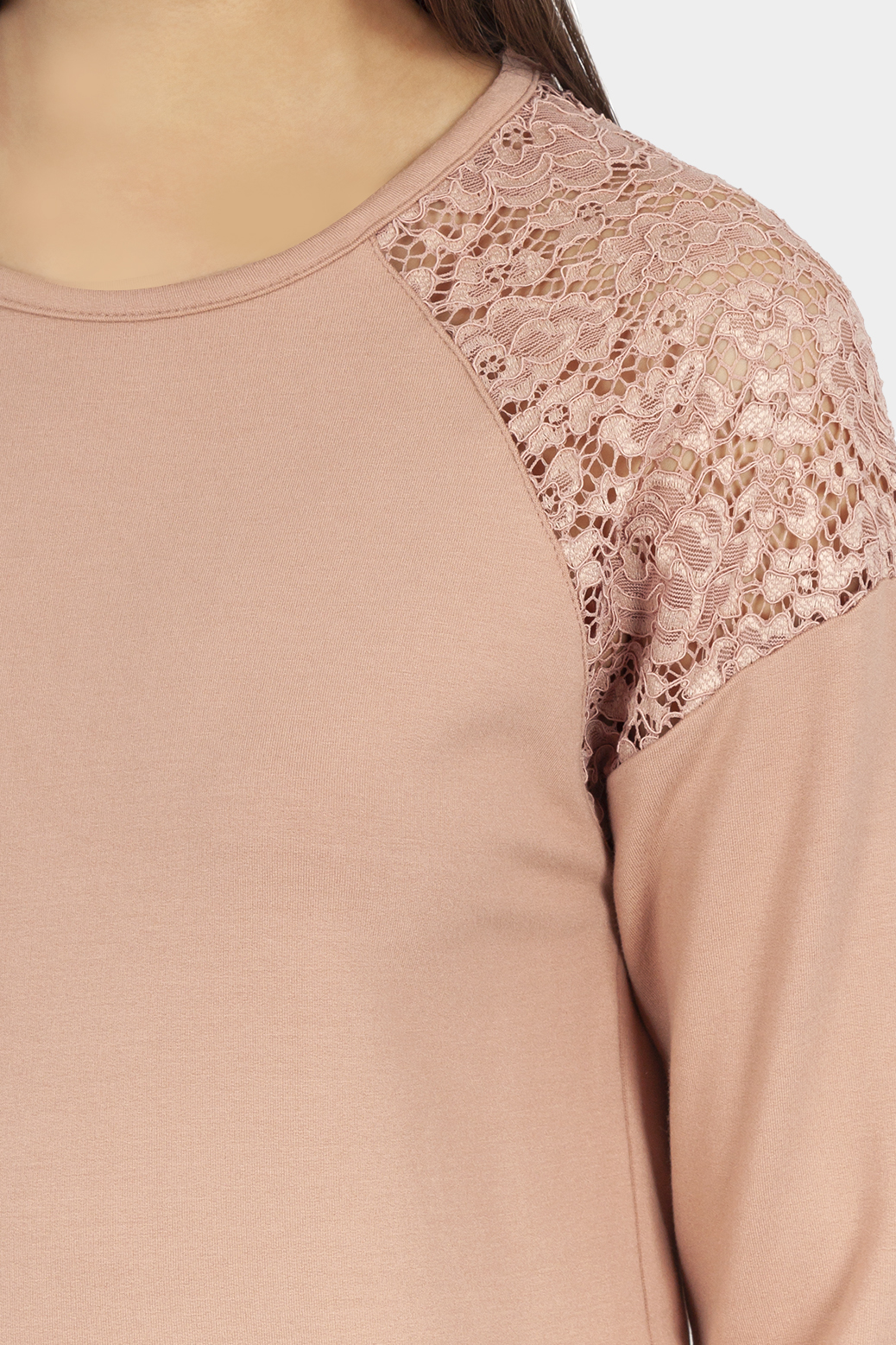 Long sleeved sweater with lace