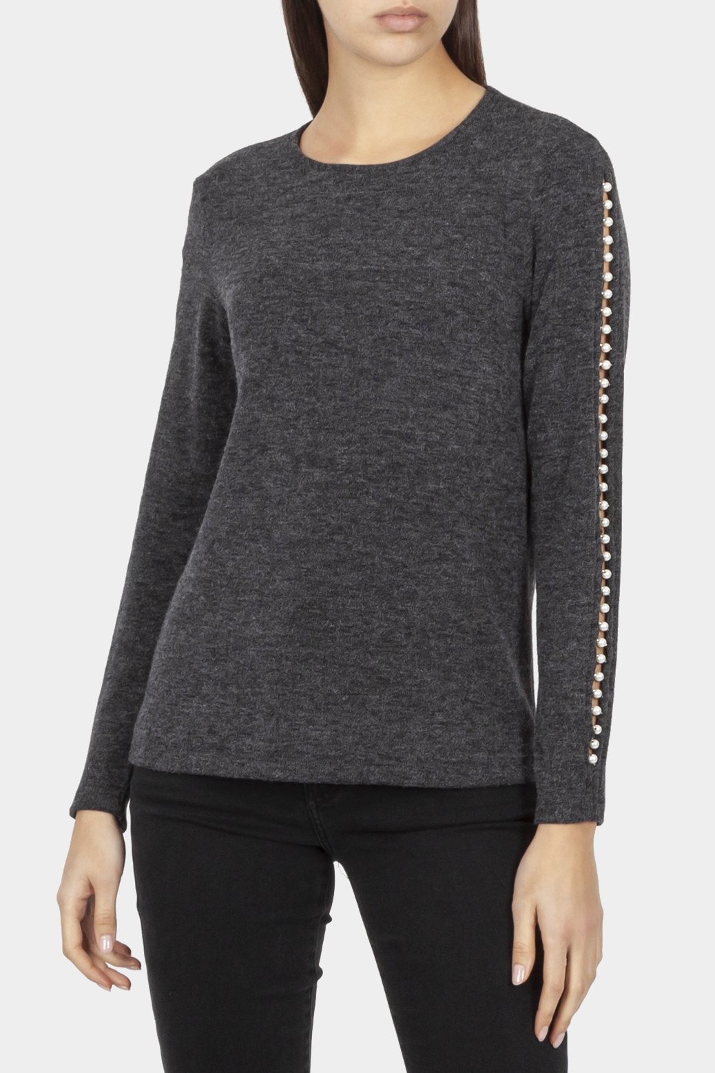 Long sleeved top with applique