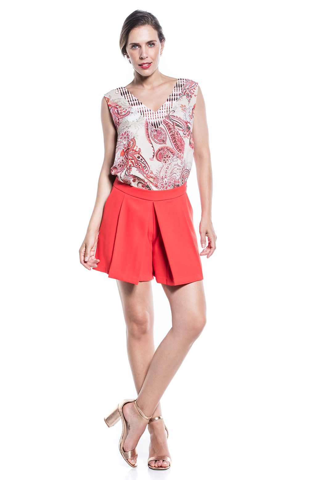 Sleeveless printed top with cV-Neckline
