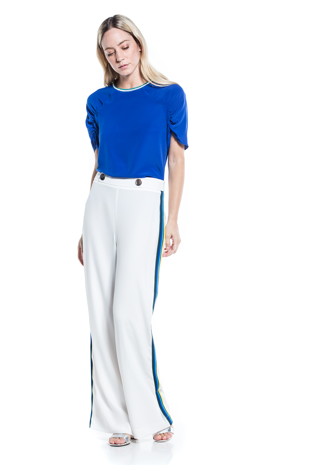 Plain trousers with colored ribbon