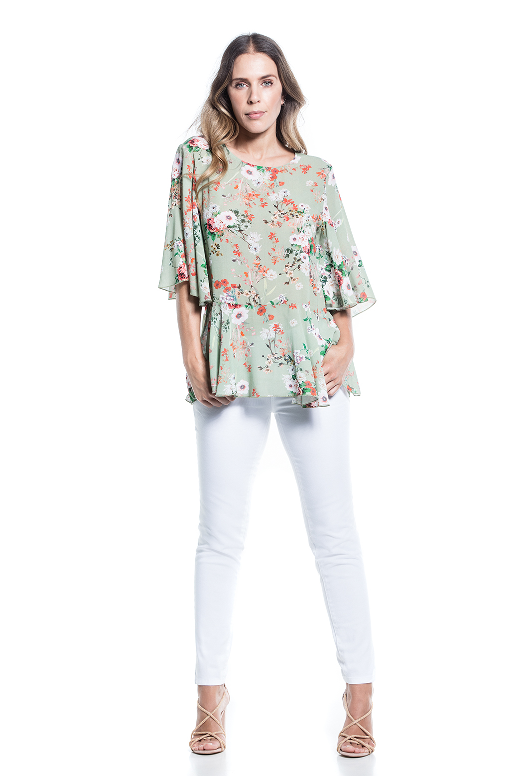 Printed t-shirt with loose sleeves