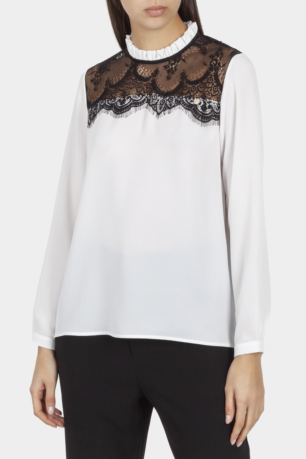 Blouse with contrast lace