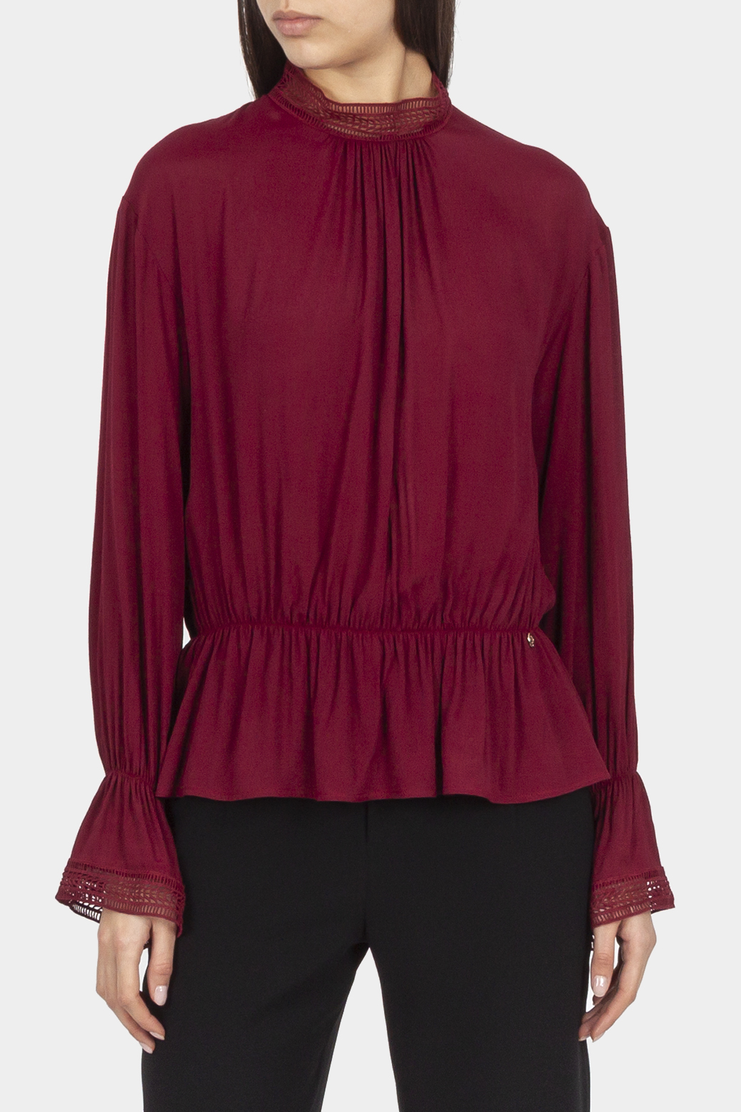 Blouse with lace details