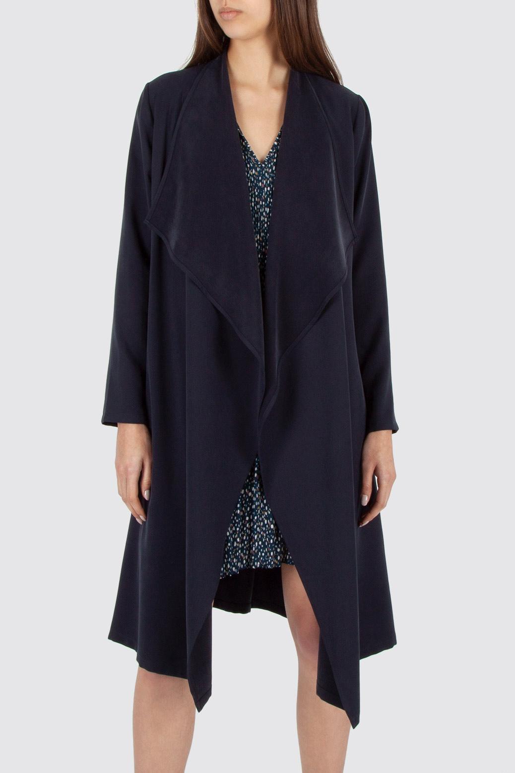 Coat with draped lapels